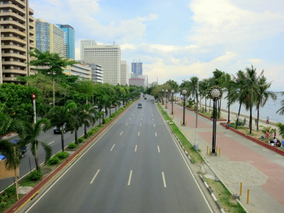 Baywalk seaside main drag manila
