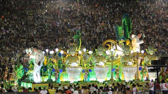 Float celebrating brazilian music