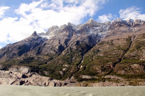 Almirante Nieto peak off Grey Lake
