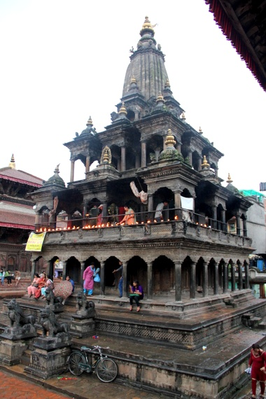 travel to patan durbar square