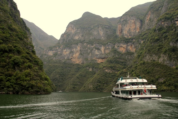 Cruising The Yangtze HoneyTrek - What is the third largest river in the world