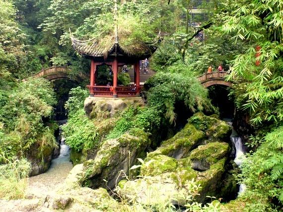 Emeishan pagoda