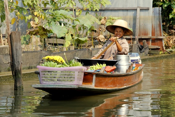 chartering a boat in bangkok