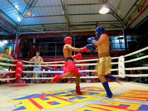 Muay Thai Kickboxing tourists