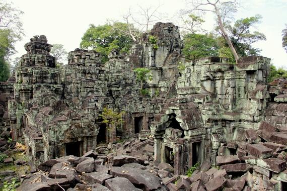 Bouldering Preah Khan Temple, Cambodia