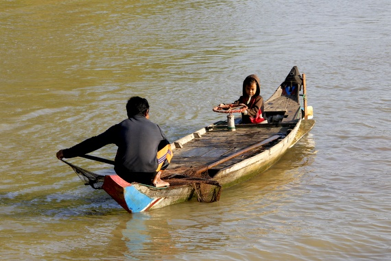Cambodian river communities