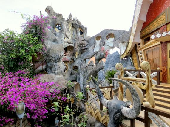 """""""Crazy House"""" or Hang Nga Villa"""