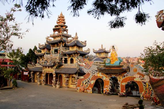 Linh Phuoc Pagoda, Dalat Vietnam