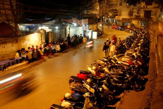 Sidewalk parking lot in Vietnam