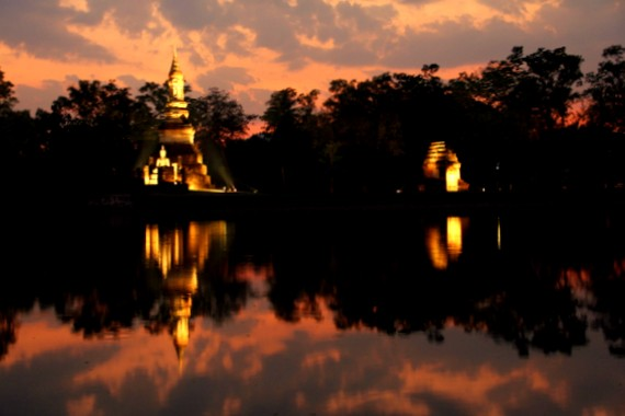Sukhothai lotus pool at sunset