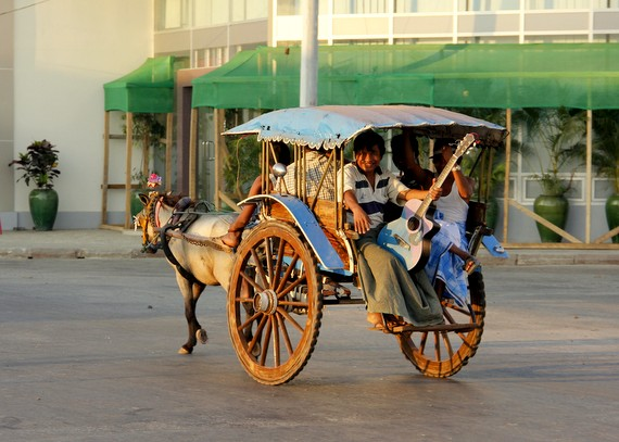 Horse carts in Mawlamyine