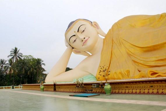 Mya Tha Lyaung reclining buddha bgo