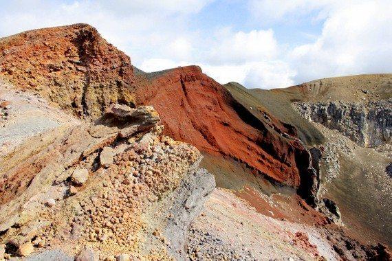 Volcanoes-of-Rocks-of-Tongariro-Alpine-Crossing