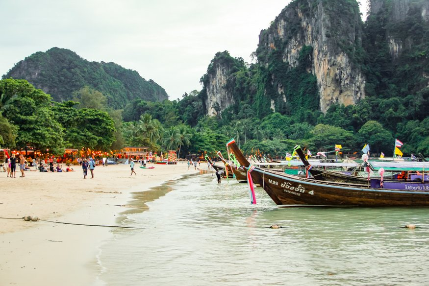 longtail boats railay
