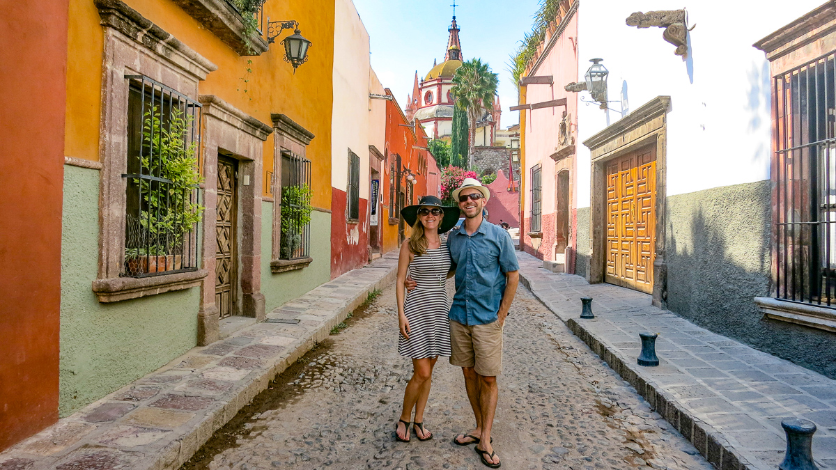 couples travel influencers
